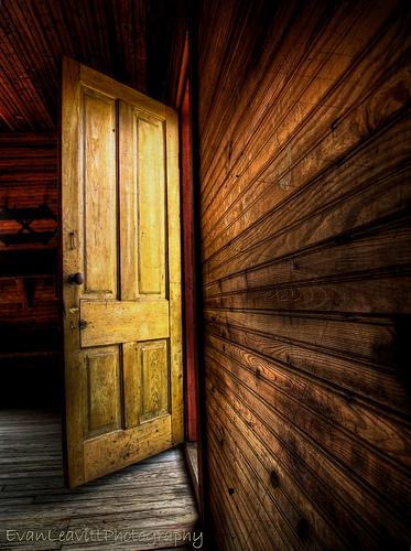 A door ajar. 7D_03372. 1202684653_89ddf390e7. 2594615479_ca5cbfe252. 3460262316_b46c2a1787_z & open door |